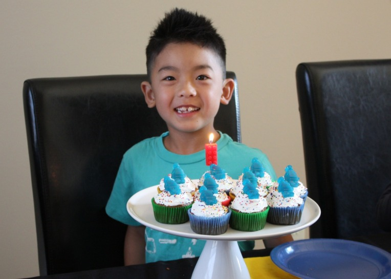 Cupcakes and Lucas
